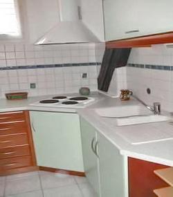 La cuisine equip e du gite alsace bergheim for Nettoyage grille hotte cuisine